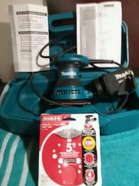 Makita Sander with  Sand Paper and Carrying Case Yuba City