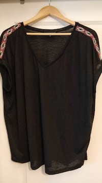 XXL/2X shirts & blouses, EUC or New, $40 for ALL New Westminster