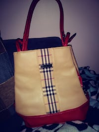 Real Burberry tan and red leather purse Springfield, 62703