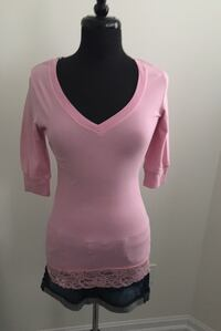 Pink 3/4 sleeve shirt size M Oakville, T1Y