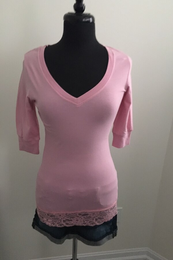 Pink 3/4 sleeve shirt size M