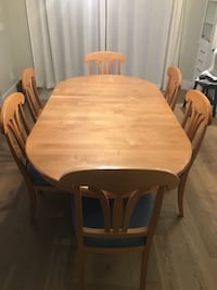 Solid maple kitchen table and chairs . Burnaby, V5C