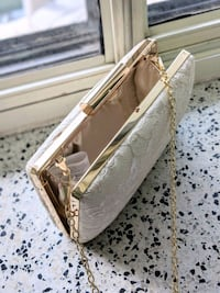 Lace and gold clutch Toronto, M4P 1Y5