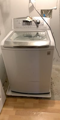 Lg washer (NEEDS NEW WATER PUMP!)