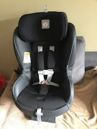 Peg perego convertible car seat in Lycorice  Vaughan, L4L 9M6