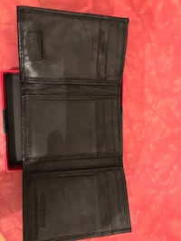 Swiss gear leather wallet  Vancouver, V5L 1J7