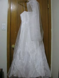 Wedding dress Calgary, T2E 0B4
