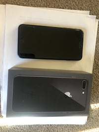 iphone 8 plus with 5 free covers Hyattsville, 20781