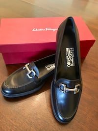 pair of black leather loafers with box Alexandria, 22314