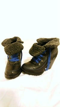 Size 7 boots Seattle, 98102
