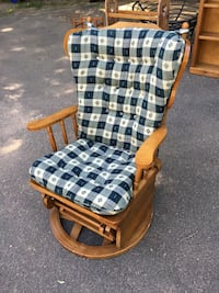 brown and white wooden armchair Avon, 06001