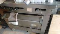 Stove with oven for restaurant  Markham, L3R 8M5
