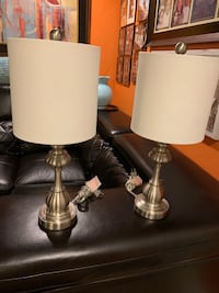 2 beautiful silver table lamps like new New Orleans, 70129