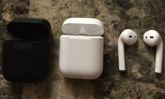 Authentic AirPods Mint Condition with Case