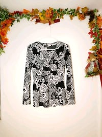 white and black floral long-sleeved shirt South Haven, 49090