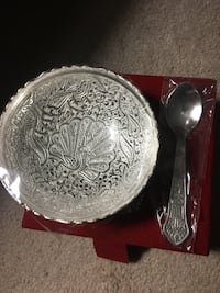 Stainless steel bowl and stainless steel spoon