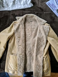 Guess leather coat Jenkintown, 19046
