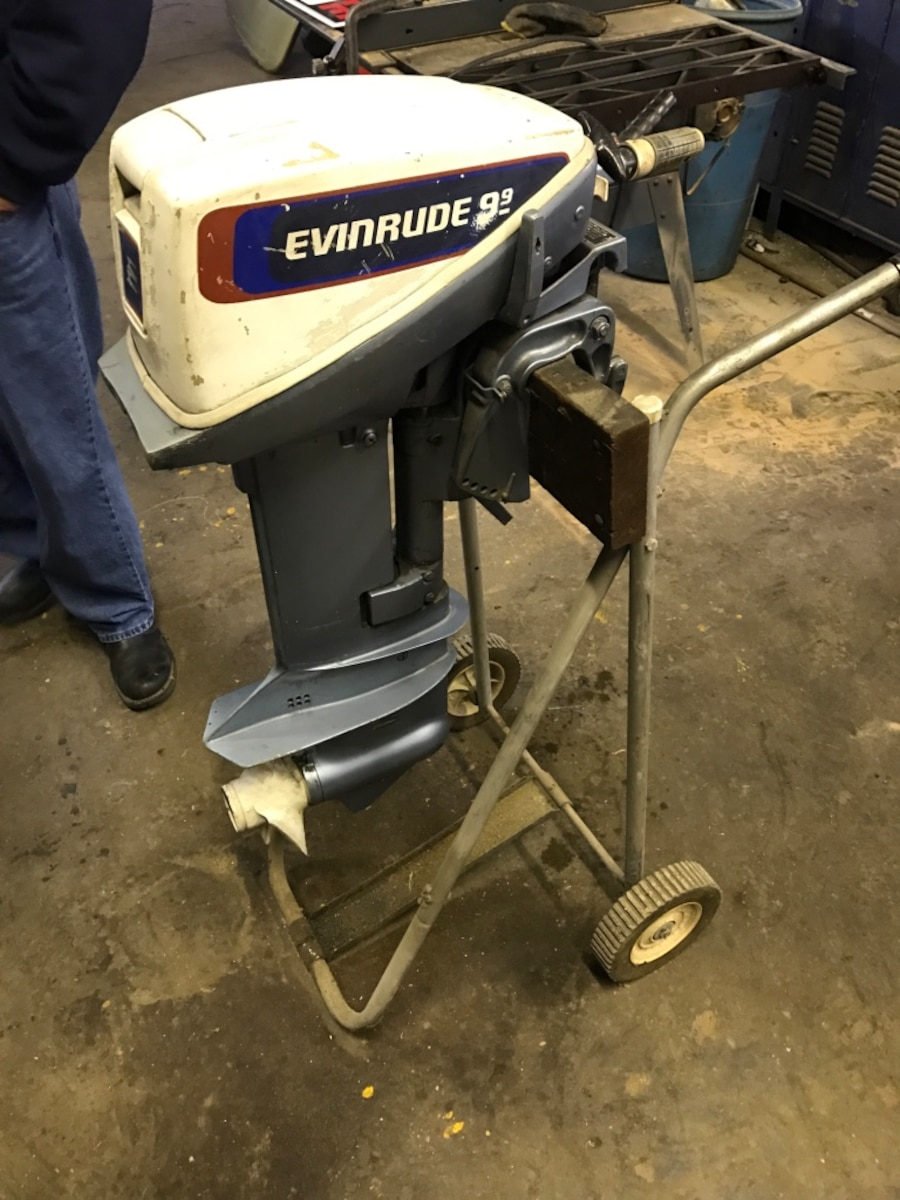 Used gray outboard motor 9 9 hp evinrude in morris for 9 9 hp outboard motors