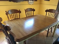 Dining room table with removable leaf and 4 chairs Hampton, 23669