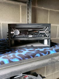 Used  car stereo with USB, aux and CD Not bluetoot Calgary, T2B 3L4