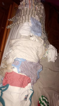 40 pieces of newborn baby clothes New York, 10453