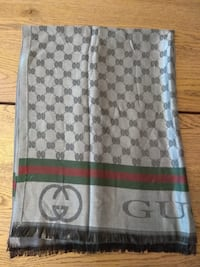 Gucci scarf Richmond Hill, L4E 2W5