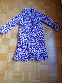House Robe 14-16 year old Montreal, H4K 1T9