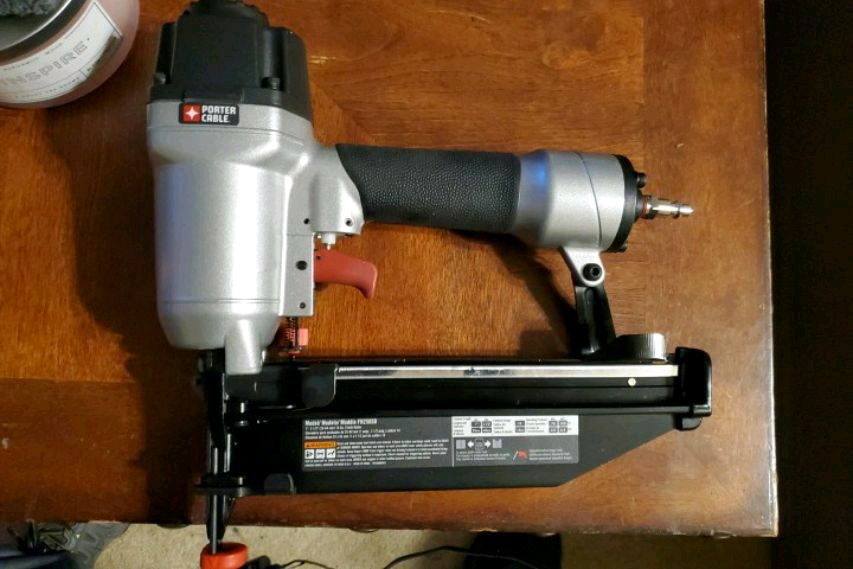 Photo Porter Cable T Nailer