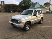 Jeep - Liberty - 2005 4X4 Sunroof Trailer Hitch  Saint Paul