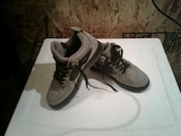 Jordan youth size 4 like new  Des Moines, 98198