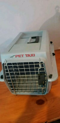 gray and black pet carrier Centreville, 20120