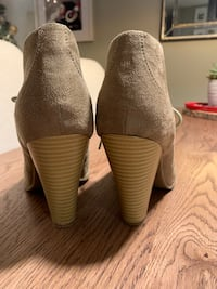 Suede beige ankle booties $20 3725 km