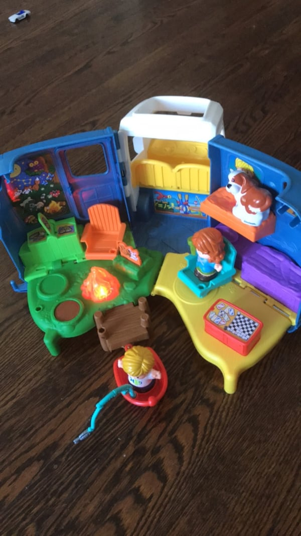 Fisher-Price Little People Songs & Sounds Camper Camping Car 90407123-9a2f-47c5-bf52-4f3ca96e26fc