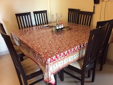 Grand 8 seater Square Dinning Table FOR SALE!