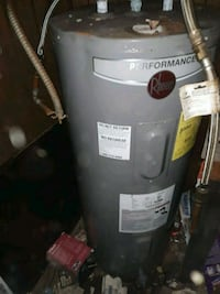 A 40 gallon electric hot water tank Shreveport, 71104