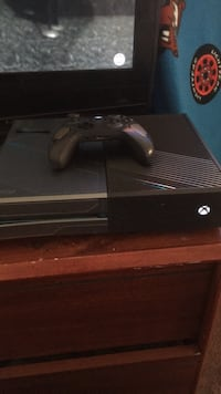 Black xbox one console with controller Denver, 80239