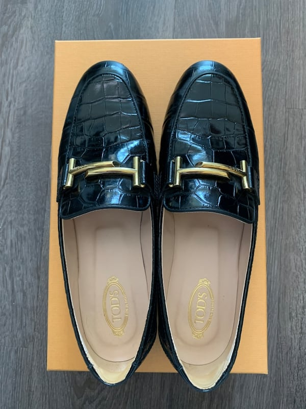 Tods's double T logo crocodile printed leather loafers IT 37.5 dfd45c0d-67f7-427c-948c-fd1c61a9403b