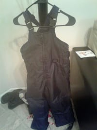 Kids snow suit size 6×-7 Alexandria
