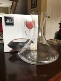 Mikasa wine decanter New in box  Toronto, M9W 1G4