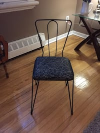 Vintage Wrought iron accent chair 28 inches tall  Toronto, M5A 3J1