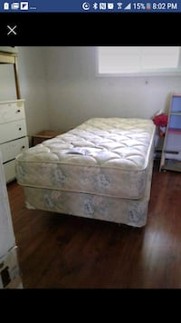 Beautiful single bed set can drop off tonight  Belleville