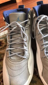 Pair of white-and-gray nike sneakers Rohnert Park, 94928