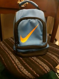 Nike lunchbox kids