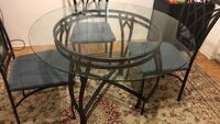3 chair glass dining table- Excellent Condition ! Toronto, M1P