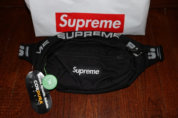 bf60e9dee1a6 Used Supreme Waist Bag Black for sale - letgo