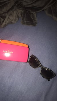 Black cheetah framed kate spade sunglasses with case Gainesville, 32607