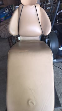 Electrical dentist chair ideal for make up and massage.