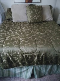 black and gray floral bed sheet set