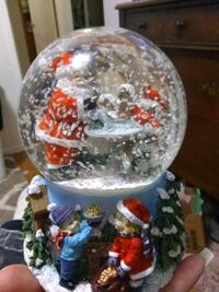 Music box Snow Globe 23 mi