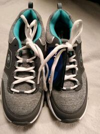 BRAND NEW! CHAMPION WOMEN'S GYM SHOES-SiIZE 7